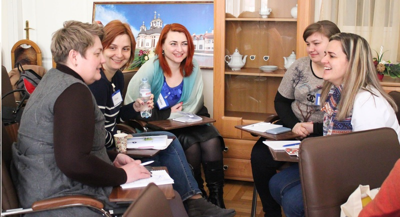Ukraine foster parents trained in Secure Base
